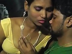 Yummy Aunty In Sleeveless Blouse Seducing Young Man Hot