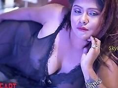 Very Hot Indian Saree Model Nightingale